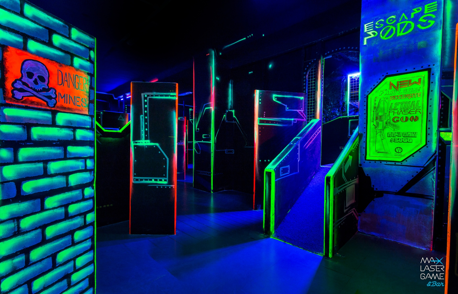 lasergame praha. Black Bedroom Furniture Sets. Home Design Ideas
